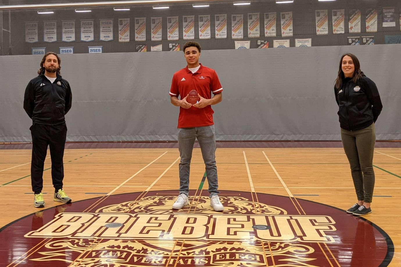 sebastien-lamaute-etudiant-athlete-basketball-excellence-pancanadien